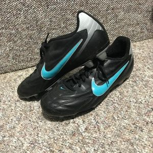 NIKE Women's Soccer Cleats